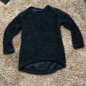 Sweaters - NWOT ❄️Fuzzy sweater!❄️
